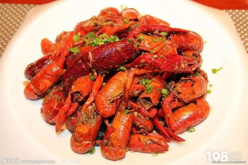 自己家的小龙虾,好吃极了,谁要想吃的,我们有外卖