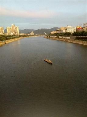 傍晚的昌江河
