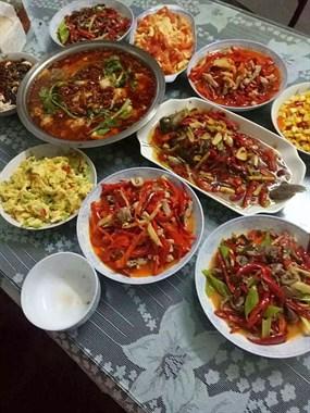中秋节就是要任性放纵,社友家这一桌美食光看就流口水了!