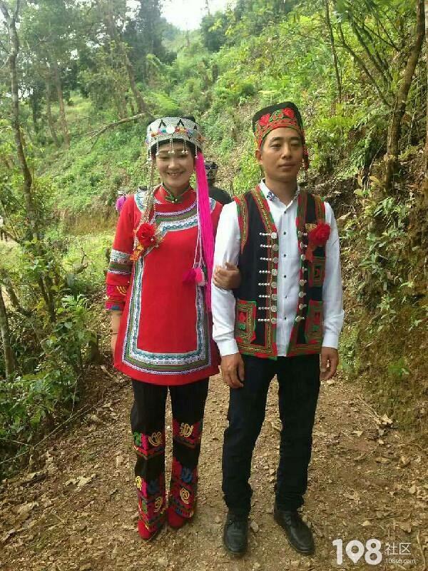 社友大晒同事哥嫂云南结婚照,被惊叹到结婚风俗如此简单淳朴