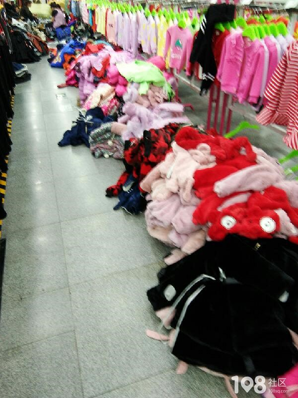 社友爆料某服装城上架内幕,果然买回去的衣服一定要洗