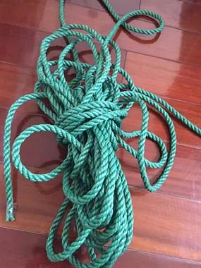 专业坑娃:儿子说要跳长绳,老爸竟跑五金店买了捆你尼龙绳!