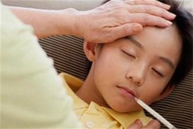 孩子在校肚子疼,发烧不停咳嗽!哪里能够治好?