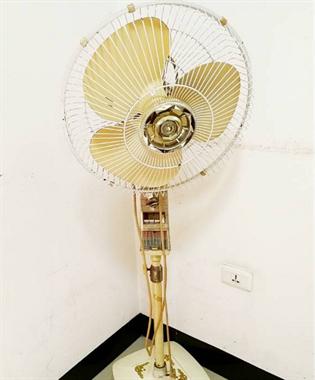 家里的三峡牌电风扇昨天寿终正寝,用了30年的电器你家有吗