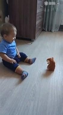 宝宝:你是个什么玩意儿,吓死宝宝了