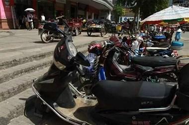江滨市场周边非机动车乱停放!开始集中整治以来48辆被拖走
