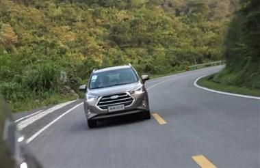 七万多就能落地的自主小型SUV, 但外观内饰值十几万