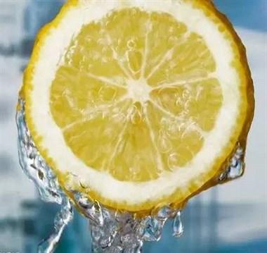 一个柠檬就能解决的事,你花那么多冤枉钱!