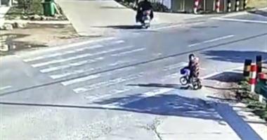 6岁娃骑车跑了5公里,民警送回来父母才发现娃丢了