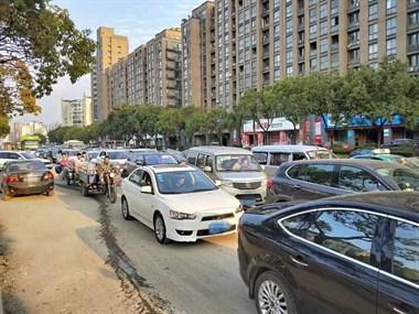 红绿灯智能调节、行人闯红灯大屏曝光......未来三年,德清交通将大变
