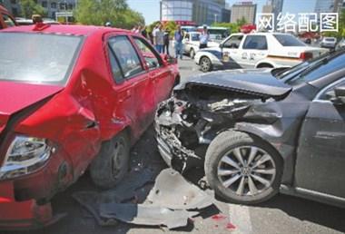 16年事故到现在还没处理!保险公司拖延了事收了发票说没收