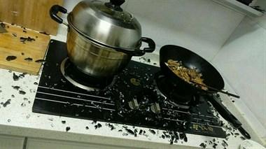 厨房炸了,曾以为是玩笑话,结果今天做饭厨房真炸了