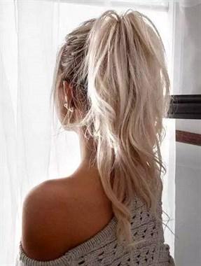不管什么脸型,这样的发型瞬间提高你的气质~试着扎一扎吧