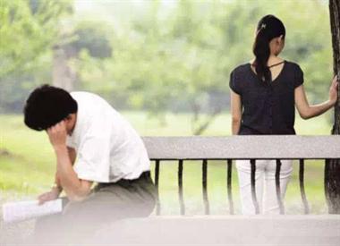 要原谅吗?老公工作忙没时间陪她,结果她和别的男人玩出火