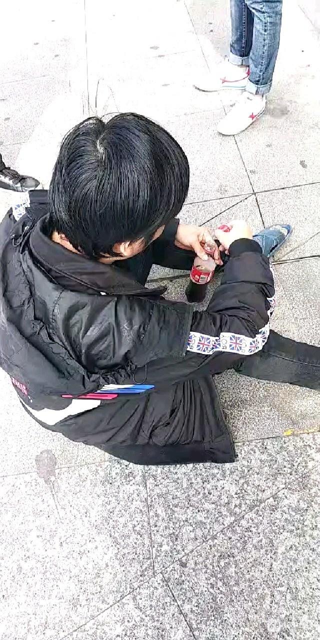 真丢脸!40多岁在城北天天偷外卖,竟是为了躲债从杭州来的
