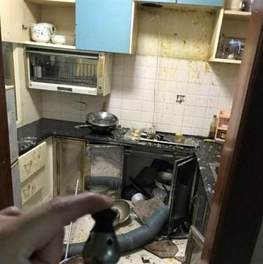 """在家煮芋头,把厨房炸翻天!高压锅这样用危险如""""炸弹""""!"""