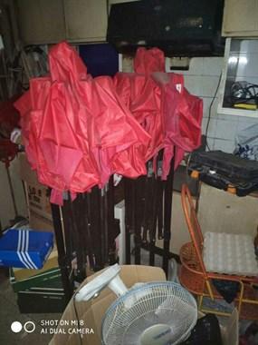 【转卖】便宜转让学生课桌,空调,上下床,伞篷