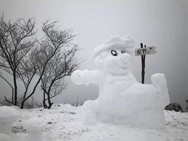 太牛了,莫干山惊现2米高巨型雪人!全因这些帅哥美女会玩
