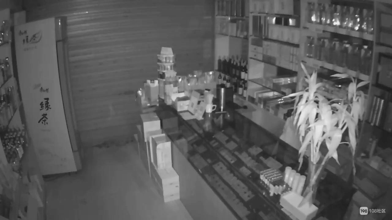 景德镇这超市遭6人团伙疯狂盗窃!短短几分钟就洗劫一空