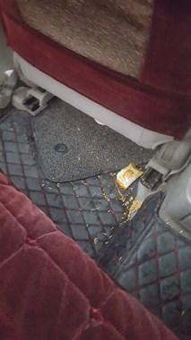 开滴滴车子竟被糟蹋成这样子,旁人都看不下去了