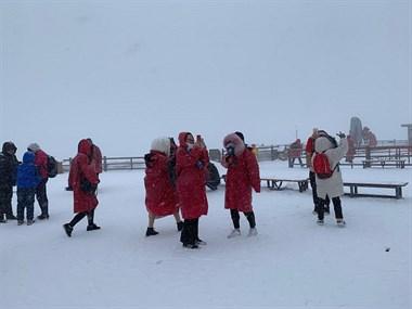 安吉美女登海拔4506的雪山!实拍照片让社友直呼太美养眼