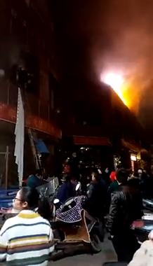 上百人被疏散!景德镇一饭店着火 众人爬梯子逃命!