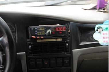 出租车过年是谁让你涨价的,平时30现在60比黑车还贵!