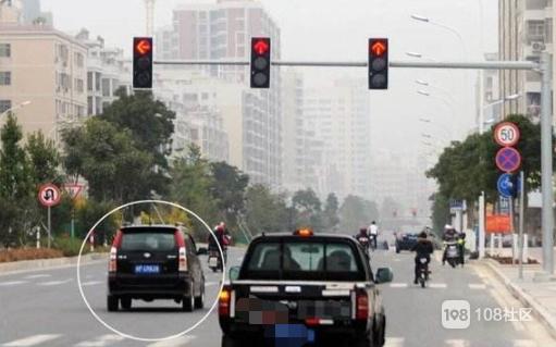怎么办?不小心闯了红灯,就在下汤到孝丰的三叉路口,会拍吗