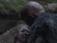 【深夜影院】男子怪癖养了一只跳蚤,没想到却害了他女儿!
