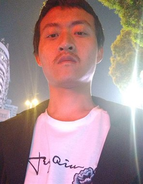 27岁湖北男子求姻缘,月薪3500,想找荣辱与共的女孩!