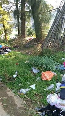 南平好好的绿地变垃圾堆!交了卫生费为啥没人处理?