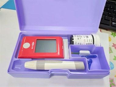 【转卖】可孚血糖测试仪152件套装29元