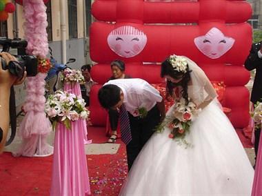 婆婆看我奉子成婚,结婚时一毛不拔太欺负人了