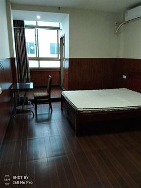 出租精装套房+单身公寓(自有)