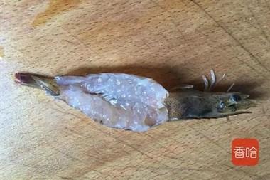 大虾最简单的做法,蒸五分钟就上桌,鲜美弹牙,待客也是极好的