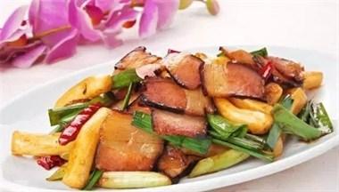腊肉又干又硬怎么办?掌握这三招,炒出来的腊肉,香嫩可口又好嚼