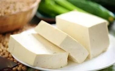 """买豆腐有技巧,看到""""这种""""豆腐扭头走就对了,卖家:自己从不吃"""