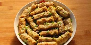 猪肉馅不做饺子,用豆皮包了后蒸着吃,比饺子还美味!