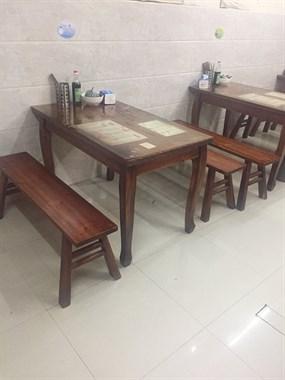 【转卖】出售二手餐桌!价格便宜
