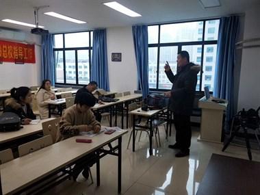 在台州学室内设计,机械设计,会计,摄影.就来温岭春华学校