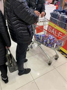 不要钱的节奏?海宁各大超市这东西大减价,男士都买一推车!