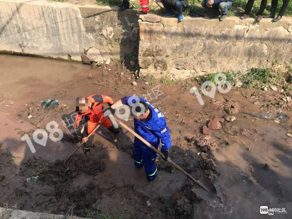 丰惠发生惨烈车祸!一女子一只手被截断,现断肢已找到