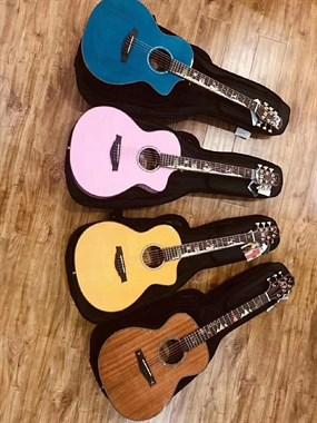 吉他电钢琴电子鼓音响和各种音乐书籍和乐器配件批发
