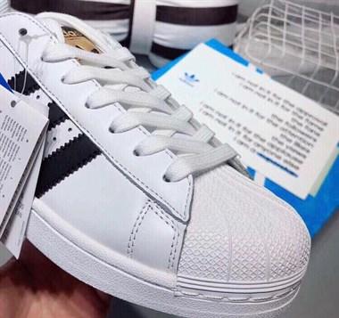 【转卖】??小白鞋 真皮 经典黑白金