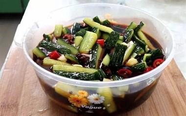 阿婆40年腌黄瓜秘方:多加这一步,黄瓜香脆可口,放一年都不坏!
