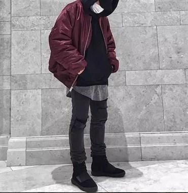 什么样跟连帽外套最搭呢?不然穿起来太土啦