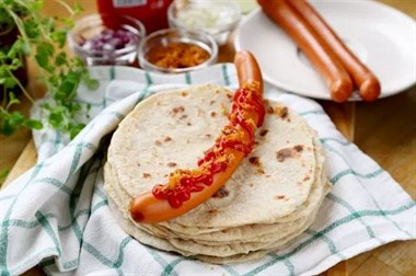人家人见人爱的挪威街头小吃,不用出家门就能吃到!吃起来超过瘾!