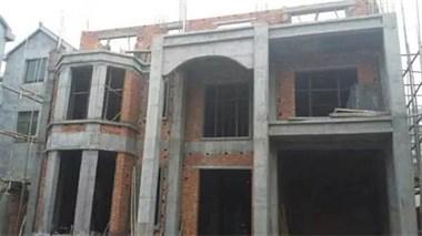 农村表弟家200万自建房,墙面石材堆砌,跟城堡一样装修,逆天了