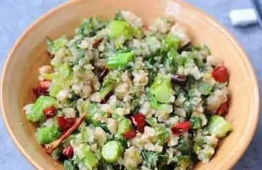 青菜别再炒着吃了,加米粉一起蒸,清爽入味比肉还好吃!