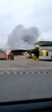 可怕!海宁一家具厂突发火灾,火势凶猛浓烟冲天